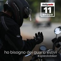 Preparati per l'estate ☀️ Ti aspettiamo da settimana prossima🏍  #ciaobiker #aprestobiker #motorcycle ##motoporn #biker #bikerlife #bikerlifestyle #bikergirl #bikers #ticino #swiss #glove #alpinestars #sunnyday #swissbiker