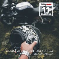 """Di la verità.. ci hai pensato anche tu? Vero?"" 😄  #ciaobiker #aprestobiker #apertura #11maggio #helmet #shoei #agvhelmets #arai #hjchelmets #ls2helmets #sharkhelmets #carbonara #carbon #bikeroutfit #motorcycle"