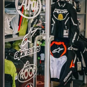 Welcome to wonderland, bikers! 🏍🌈  #hobbymotoch #biker #bikerlife #swissbiker #bikerland #bikersofinstagram #bikershop #motorcycle #motorcyclelife #motorrad #motorradshop #bikerclothing #motorradbekleidung #motoshop #motoclothing #motoapparel #bikersapparel #bikerapparel