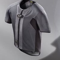 Alpinestars Tech-Air 5 Airbag Vest Alpinestars has been redefining protection for motorcyclists ever since the company was established in 1963, and today sees the brand launching Tech-Air® 5, the all-new, autonomous motorcycling airbag  click to see the products👆 come to the store to see it visit the online shop 💻  share with your biker Friends for questions write us an email or chat messenger 💬   #ciaobiker #hobbymoto #alpinestars #techair5 #airbag #motoairbag #security #biker #bikeroutfit #bikersofinstagram #bikergirl #bikerlife