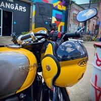 Perfect match? 💛💛💛 #ciaobiker #hobbymoto #helmets #roof #roofboxxer #roofboxxercarbon #carbon #yellow #love #bikerlove #instamoto #honda #bikersofinstagram #ktm #motor #ride #kawasaki #motolife #motorsport #motorrad #rr #suzuki #motocross #cc #motogp #bikers #instabike #racing #ducati #harleydavidson